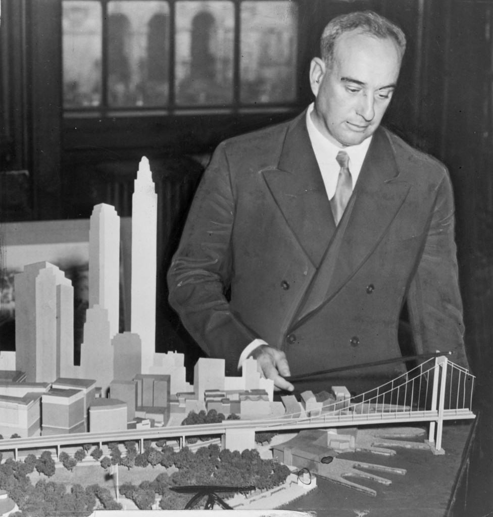http://upload.wikimedia.org/wikipedia/commons/a/ab/Robert_Moses_with_Battery_Bridge_model.jpg