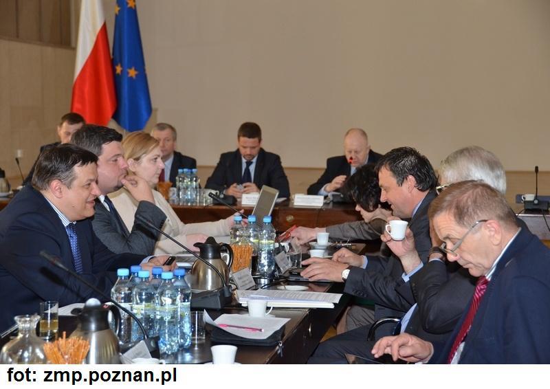 2014.05 Samorzad Komisja