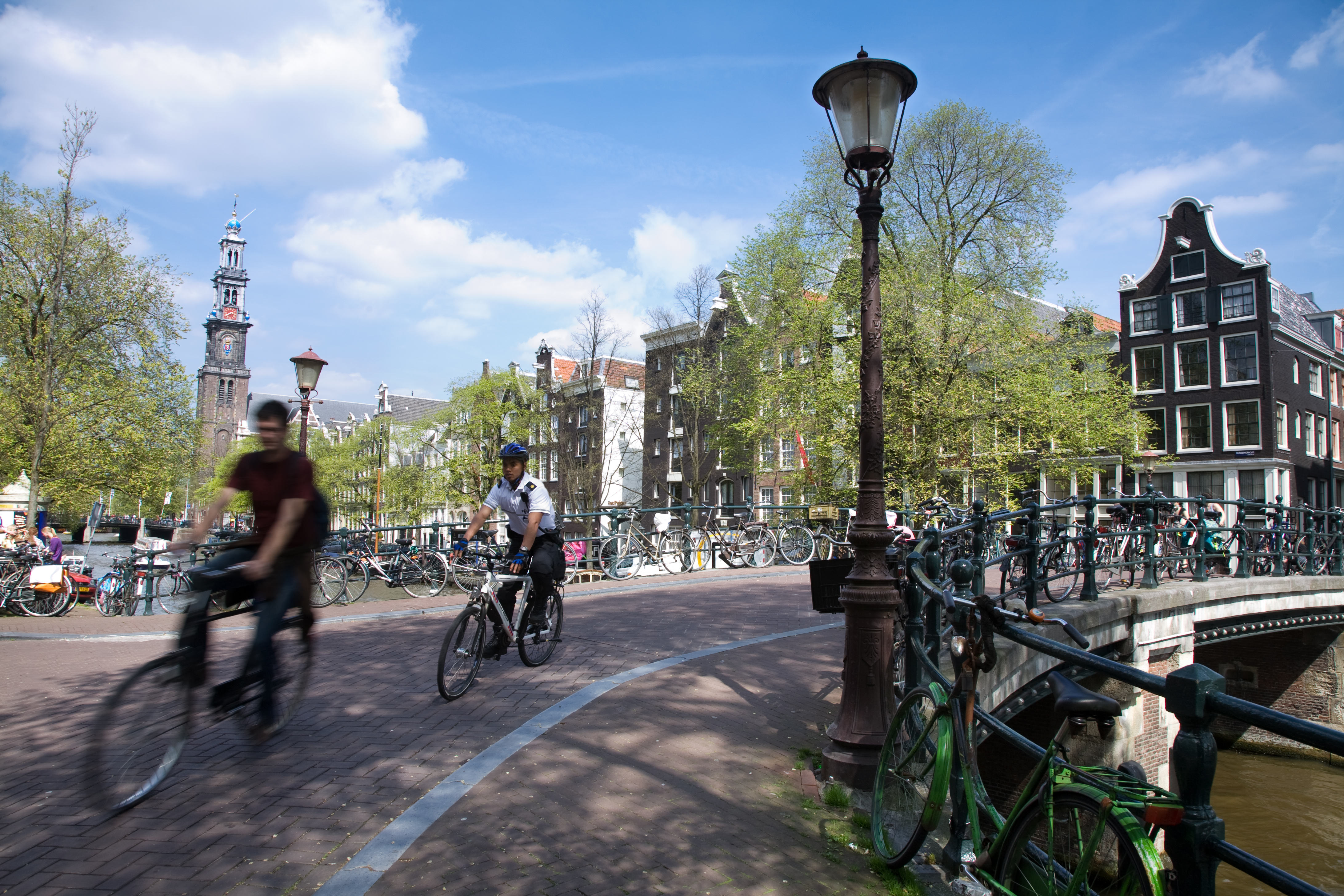http://upload.wikimedia.org/wikipedia/commons/f/fa/Amsterdam_-_Bicycles_-_1058.jpg