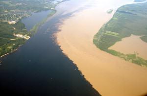 Rio Negro łączy się z Amazonką