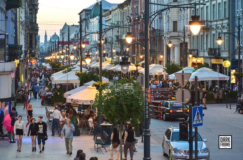 Autor: Robert Zapędowski Źródło: www.darkframe.pl