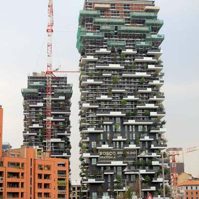 Bosco_Verticale,_June_2013