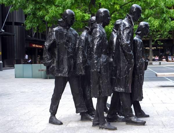 Rush Hour Sculpture Źródło www.landarchs