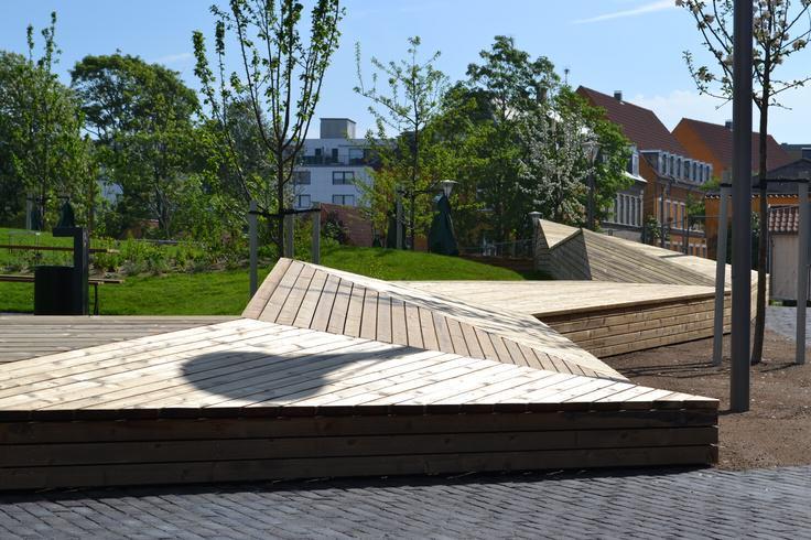 11 landskab stine schibsbye completed by urban elements