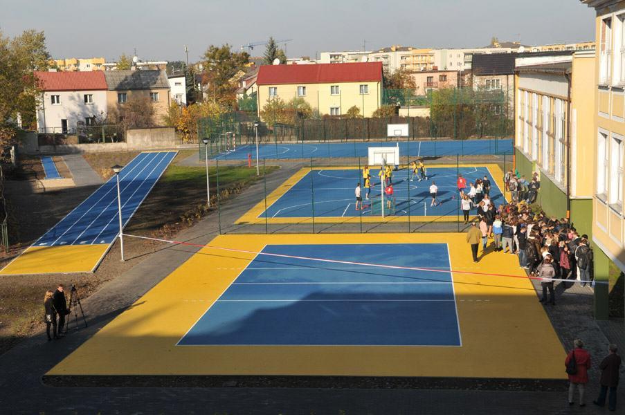 otwarcie boisk sportowych przy Gimnazjum nr 3 w Toruniu_UM Torun