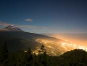 Zanieczyszczenie światłem na Teneryfie; fot. Cestomano; źródło: flickr