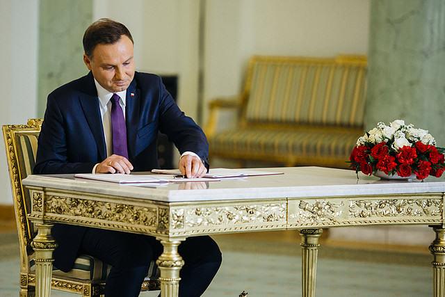 Prezydent Duda podpisał m.in. ustawę o związkach metropolitarnych i ustawę o rewitalizacji / fot. prezydent.pl