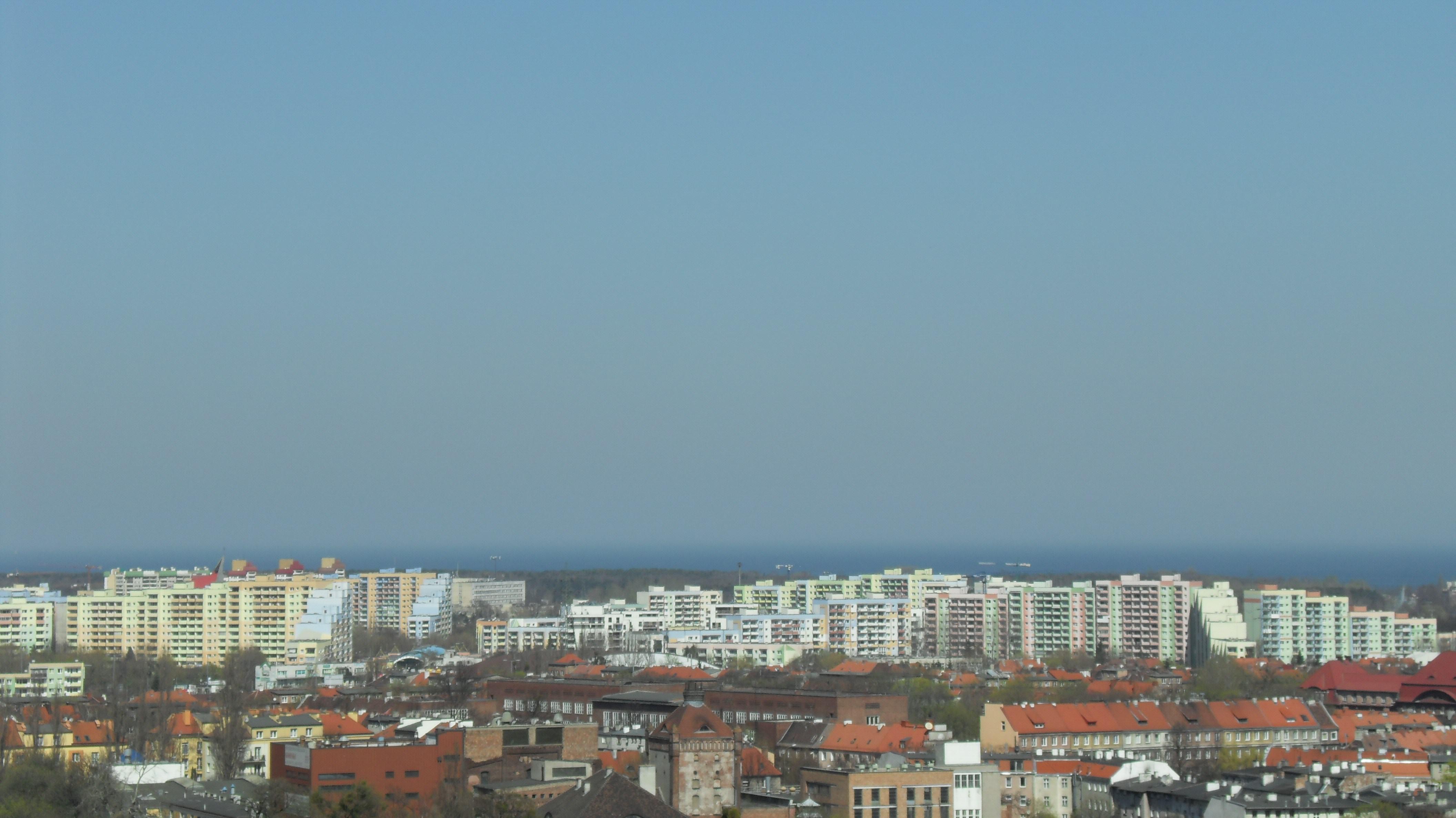 Widok na zróżnicowaną wysokościowo zabudowę dzielnicy Zaspa / fot. Artur Andrzej (Wikimedia Commons) / lic. CC-BY-3.0