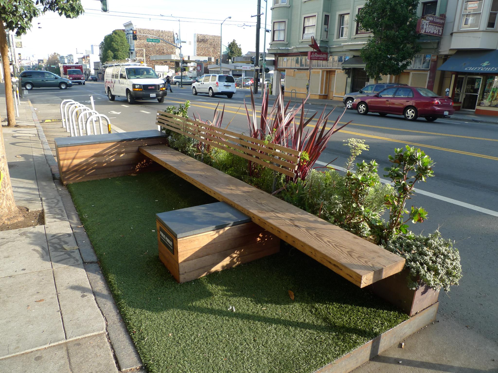 Parklet w San Francisco, fot. Mark Hogan / lic. CC-BY-2.0