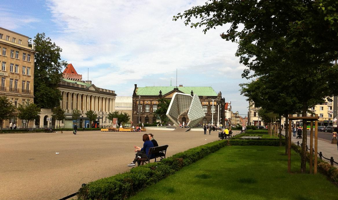 Fountain_on_Plac_Wolności_Poznań