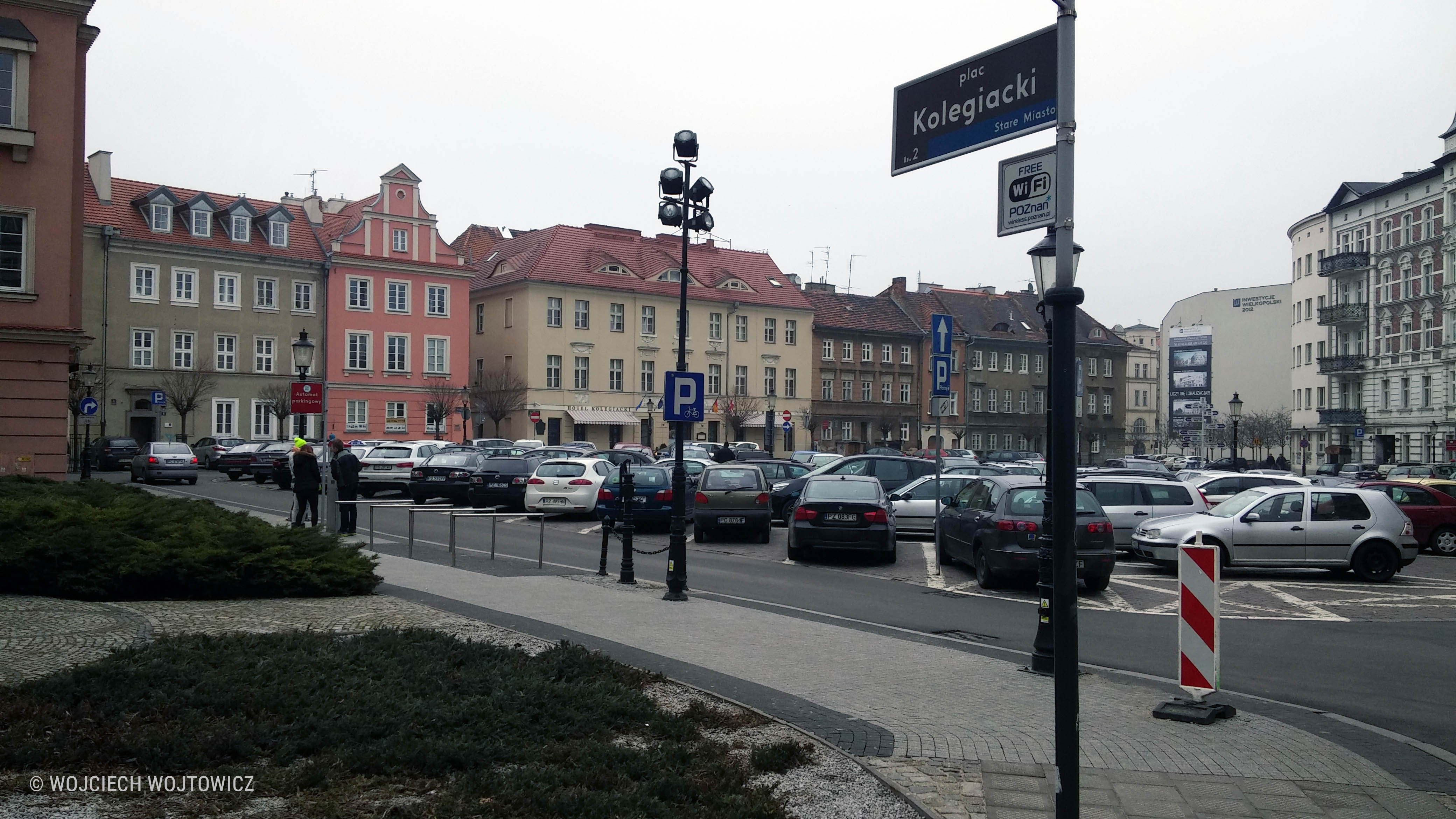 Poznan Plac Kolegiacki fot Wojciech Wojtowicz
