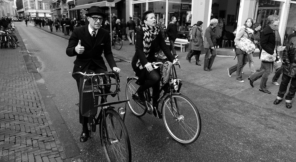 Cycling_Auggie Tolosa_CC BY-SA 2.0