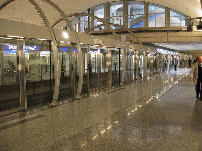 Paris_Metro_St_Lazare