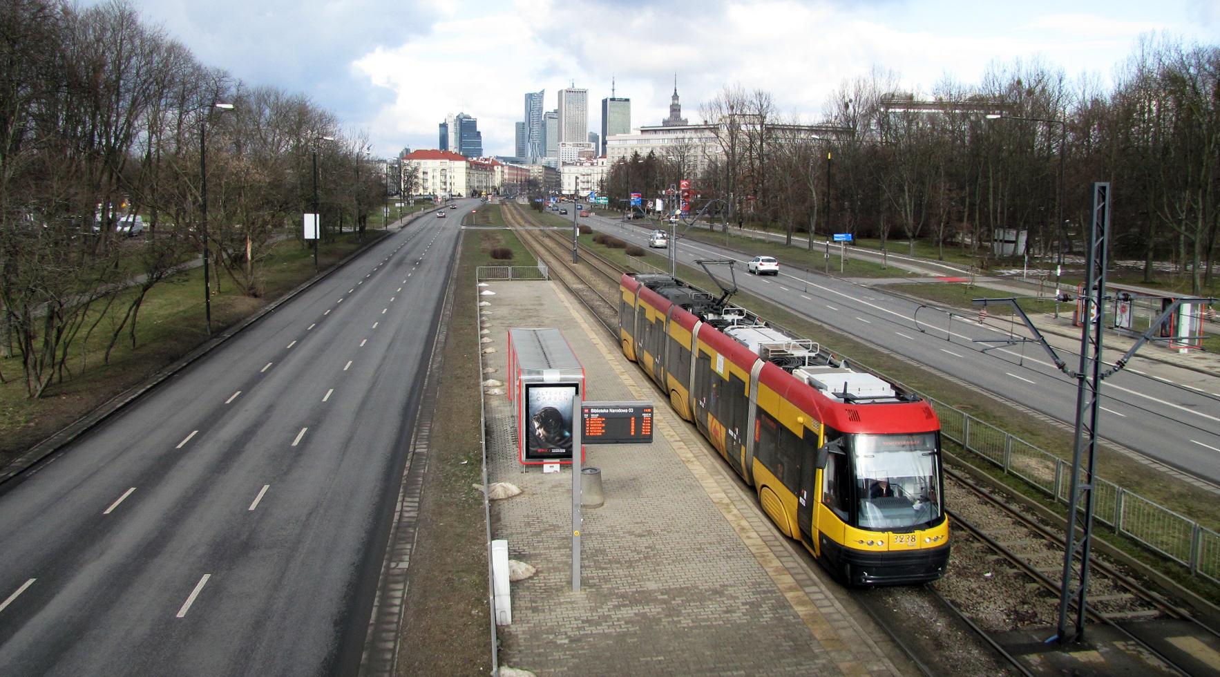 Warszawa z Pola Mokotowskiego