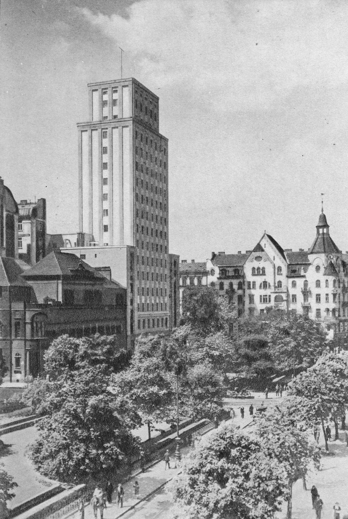 Plac_Napoleona_i_Prudential_przed_1939