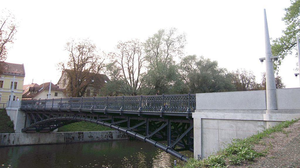 Most Hradecky