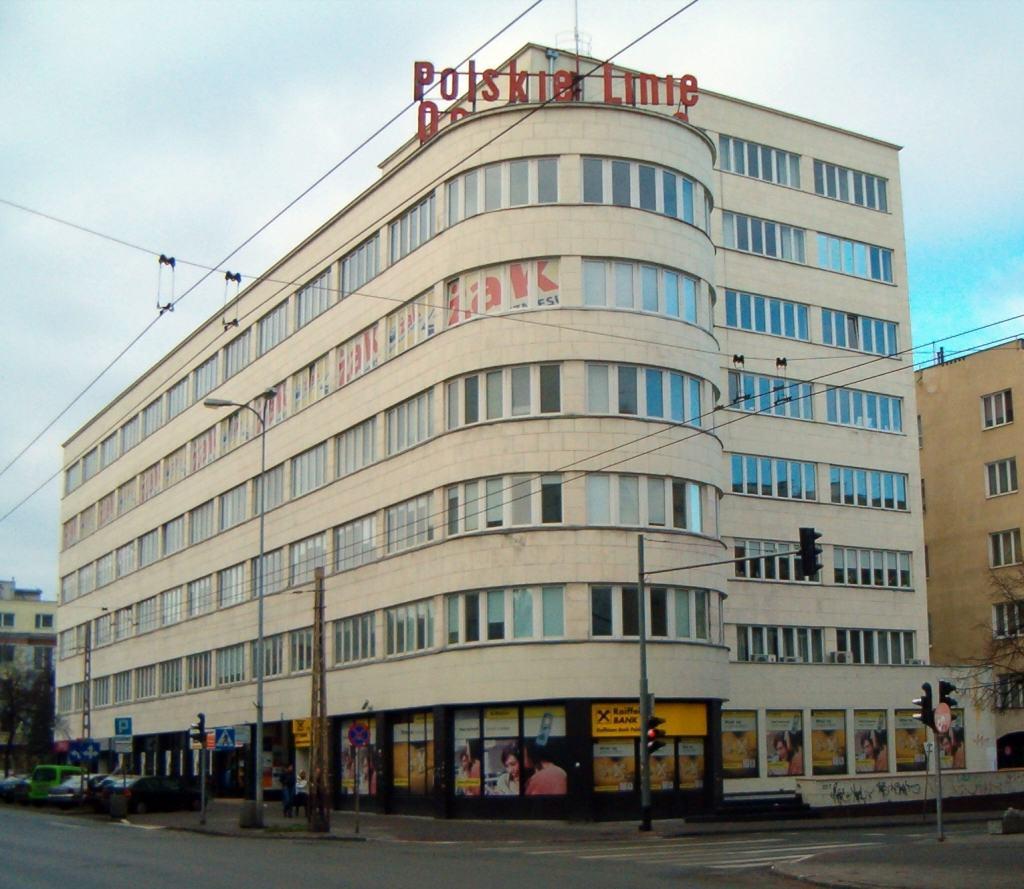 Modernistyczny budynek PLO. fot. NDT / Wikimedia Commons lic. GFDL