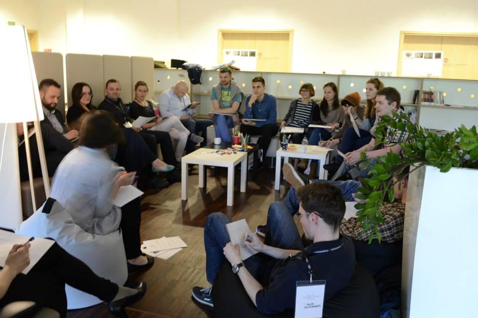 Podzia+é na zespo+éy projektowe Strefa Startup PPNT  fot. Agata Bonis+éawska