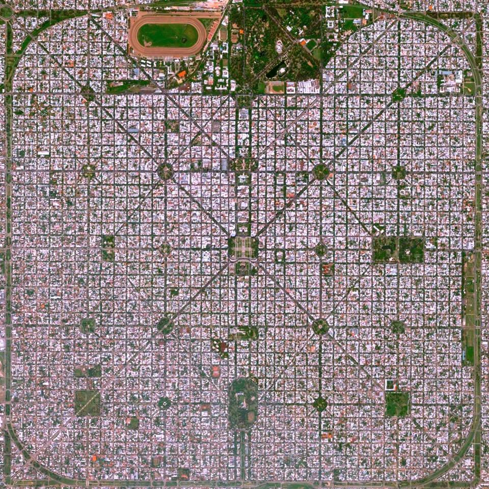 Widok satelitarny na miasto La Plata