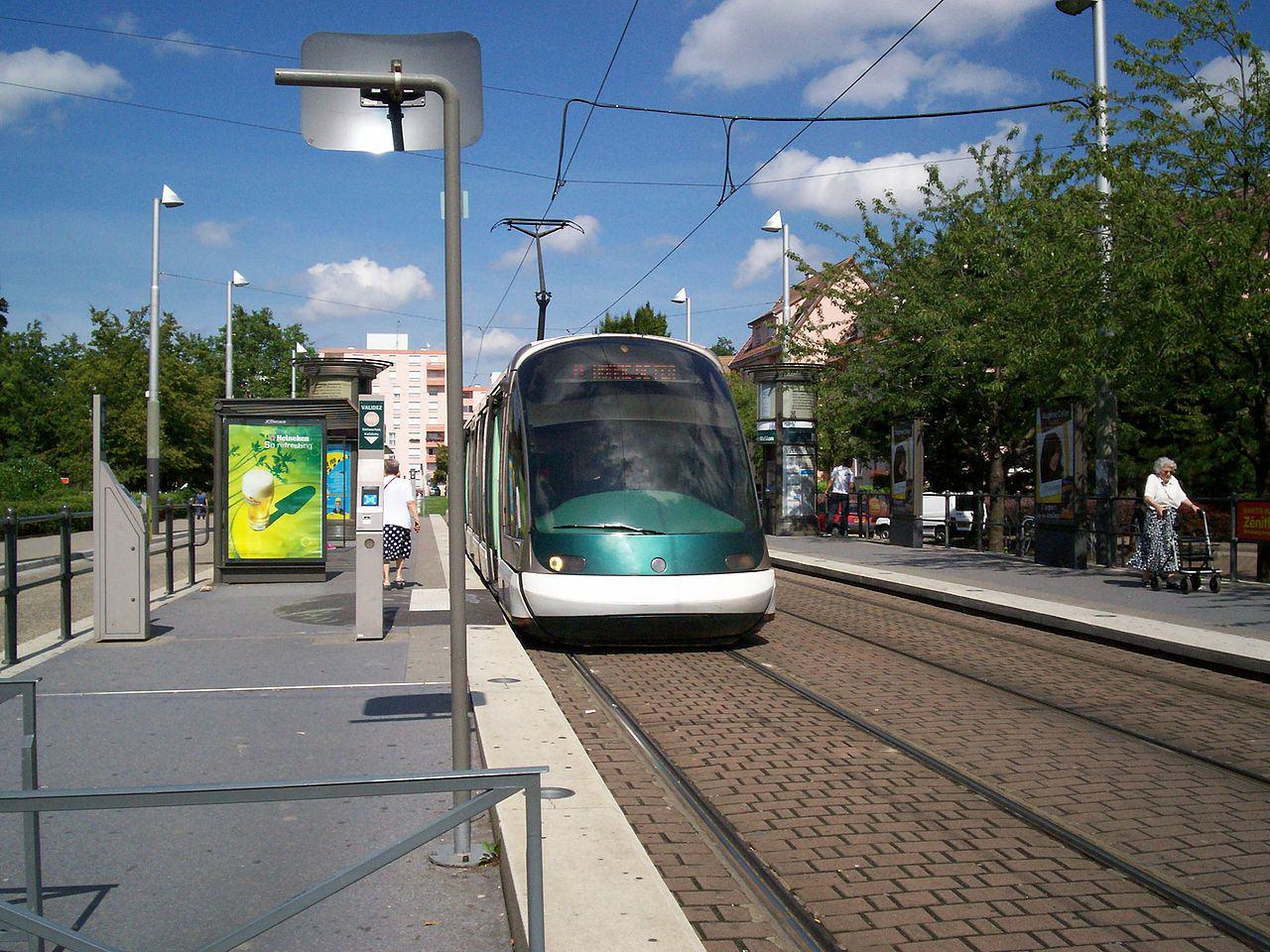 Tramwaj w dzielnicy Hautepierre | fot. Eole | Wikimedia Comons | lic. CC BY-SA 3.0
