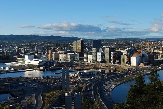 Panorama Oslo   fot. Helge Høifødt   źródło: Wikimedia Commons   lic. CC BY-SA 3.0