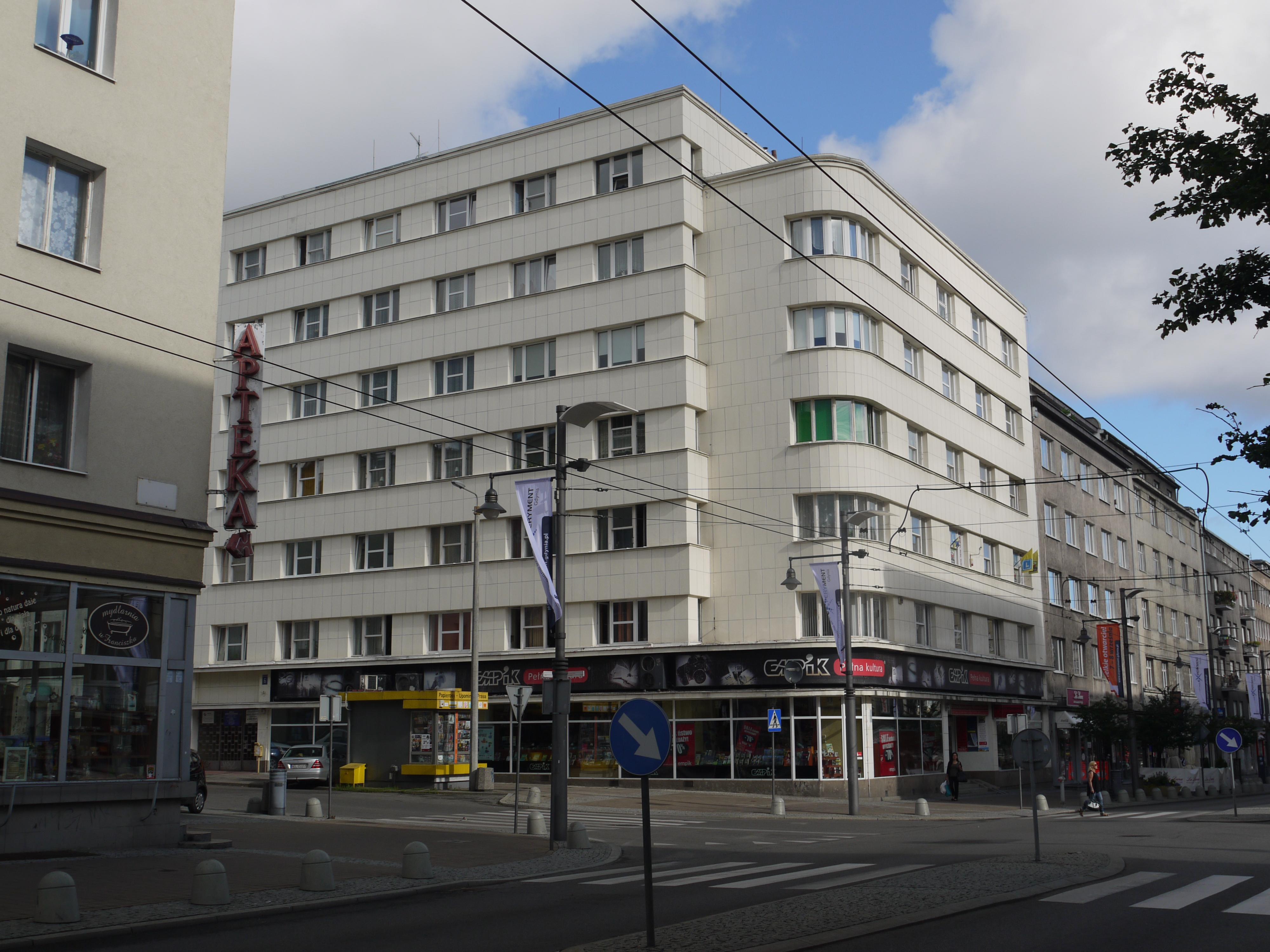Gdynia,_Świętojańska_68