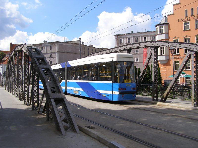Tramwaj na Moście Młyńskim we Wrocławiu