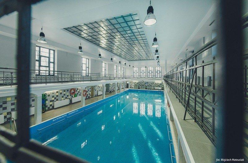 Pływalnia Miejska w Siemianowicach Śląskich jest najstarszą czynną zabytkową krytą pływalnią w Polsce z 1908 r